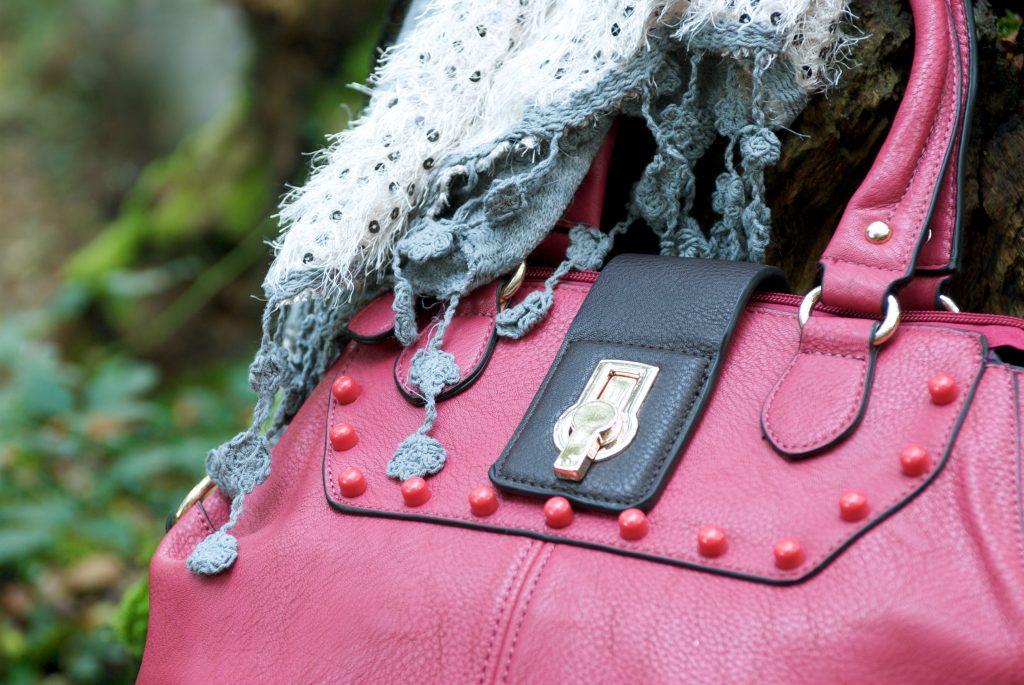 finishing touch choosing a handbag