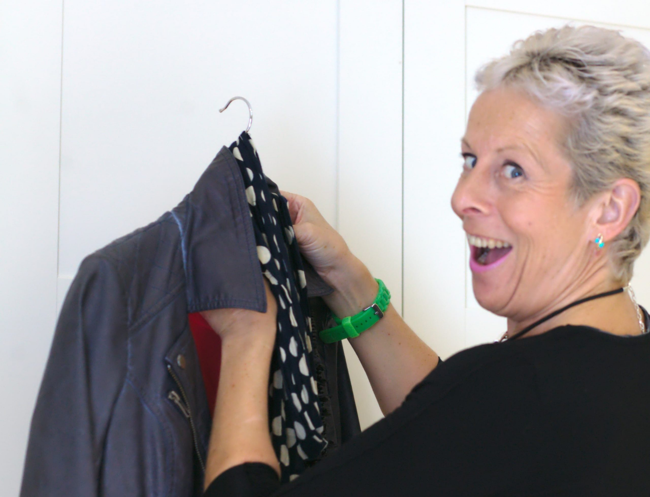 wardrobe declutter